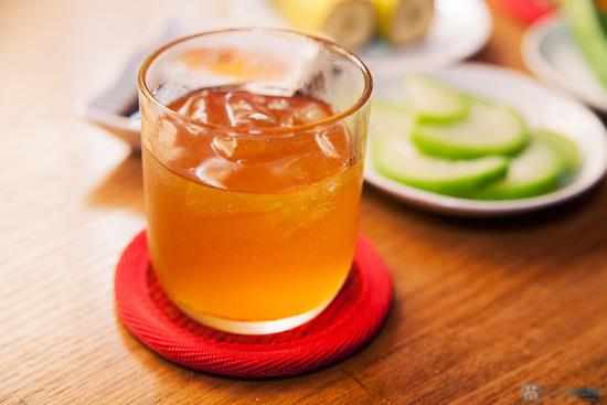 Cơm trưa + Buffet rau + trái cây tráng miệng + nước uống cho 02 người tại Nhà hàng Magic Lounge - 12