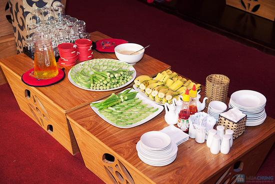 Cơm trưa + Buffet rau + trái cây tráng miệng + nước uống cho 02 người tại Nhà hàng Magic Lounge - 7