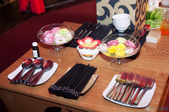 Cơm trưa + Buffet rau + trái cây tráng miệng + nước uống cho 02 người tại Nhà hàng Magic Lounge - 6