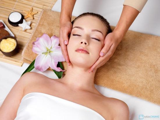 Massage và đắp mặt nạ Collagen vi cá hồng Nhật Bản tại KMA BEAUTY HOUSE - 1