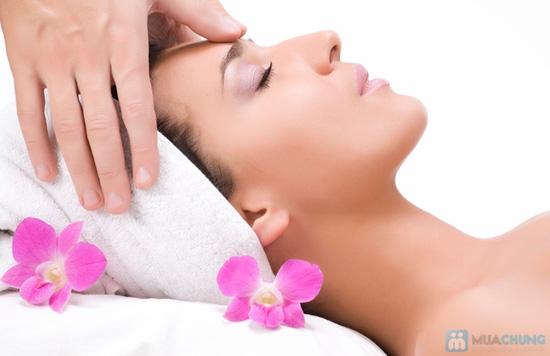 Massage và đắp mặt nạ Collagen vi cá hồng Nhật Bản tại KMA BEAUTY HOUSE - 4