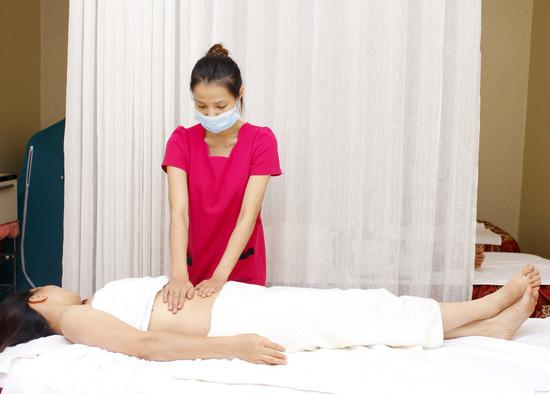 Massage đắp mặt nạ giảm mỡ bụng bằng sản phẩm tiêu mỡ của pháp kết hợp bấm huyệt giải độc, tiêu mỡ tại Thanh Tú Spa - 2