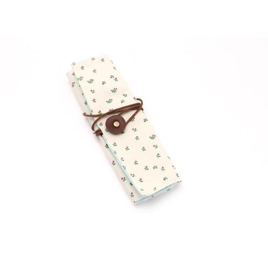 Túi xách tặng kèm bao đựng cọ trang điểm, bút viết