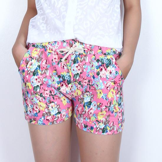 2 quần short hoa free size rực rỡ ngày Hè