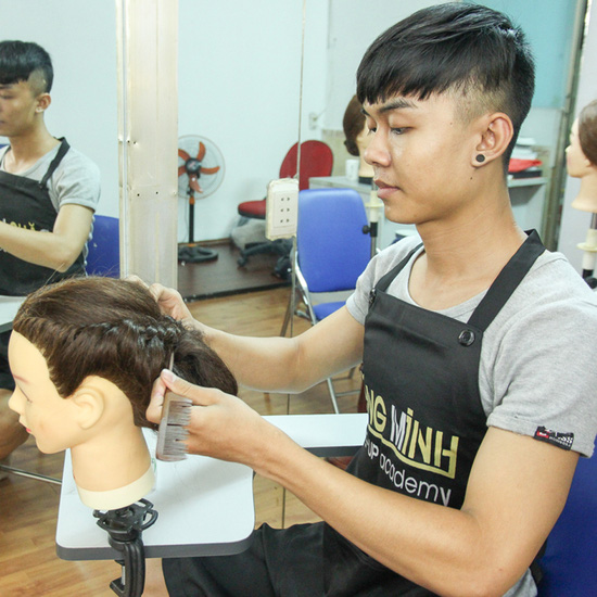Dạy trang điểm cá nhân tại make up Đăng Minh