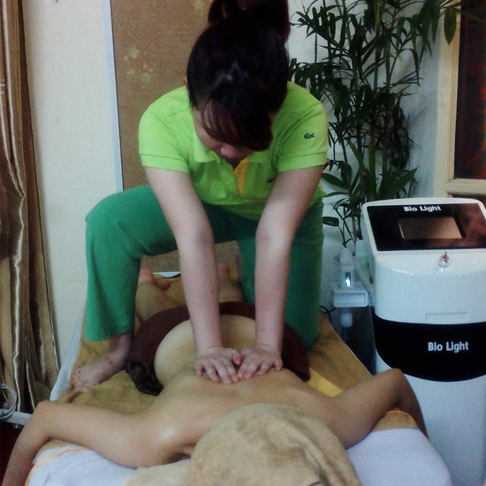 Massage Thụy Điển kết hợp massage Thái + Đá nóng