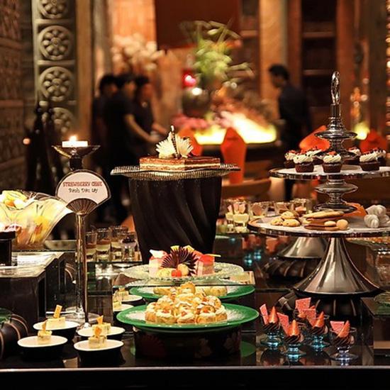 KhaiSilk-Cham Charm International Buffet 130 món