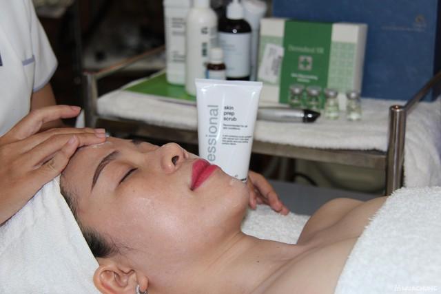 Se khít lỗ chân lông, kết hợp điều trị mụn với công nghệ Super Diamonds - Derma Laser Clinics - 2