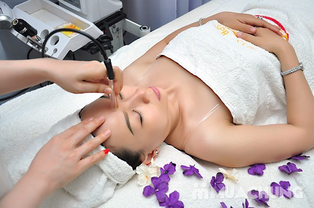 Se khít lỗ chân lông, kết hợp điều trị mụn với công nghệ Super Diamonds - Derma Laser Clinics - 3