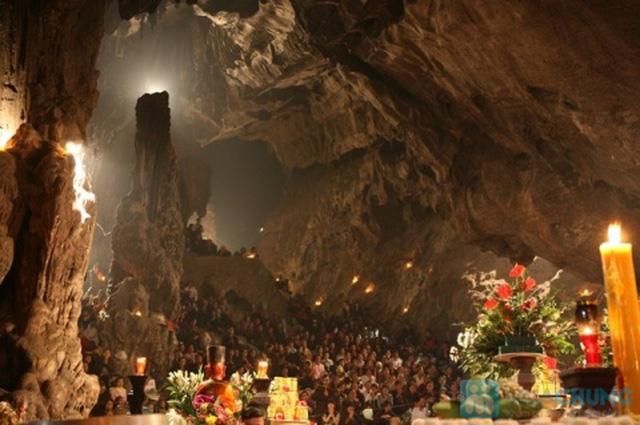 Vãn cảnh chùa Hương, cầu bình an cho năm mới. Tour đi về trong ngày. Chỉ 370.000đ/người - 11