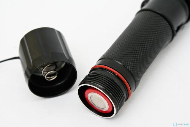 Đèn pin sạc siêu sáng - 4