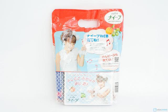 Combo 05 vỉ sữa tắm Naive Đào, Táo + 10 vỉ dầu gội, xả Ichikami + 10 gói giấy thấm dầu - 1