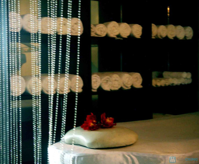 Massage mặt làm trắng sáng da, mờ vết thâm và chống lão hóa tại Lee Wedding & Spa - 3