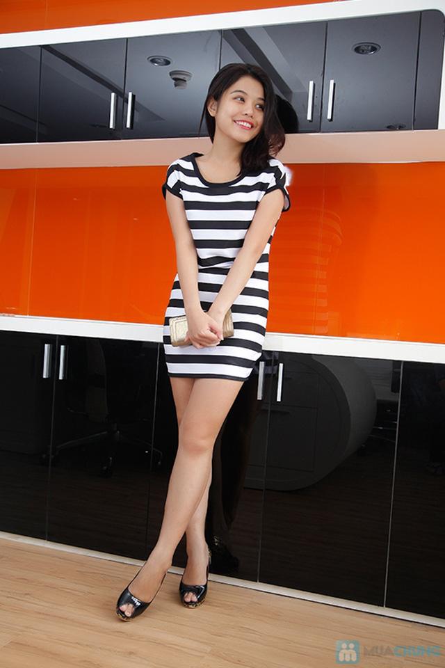 Đầm suông sọc ngang trắng đen cá tính - 6