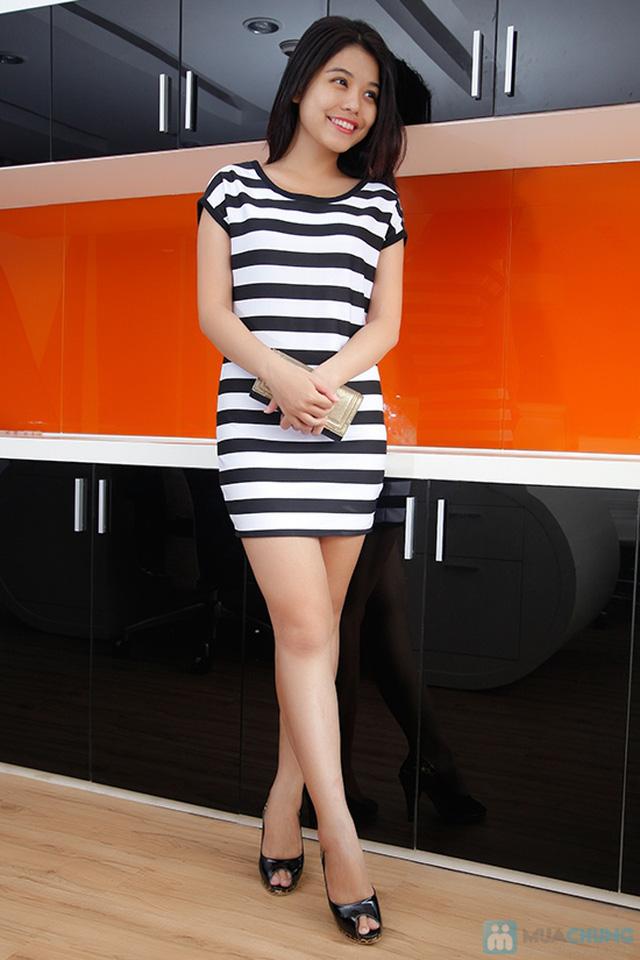 Đầm suông sọc ngang trắng đen cá tính - 1