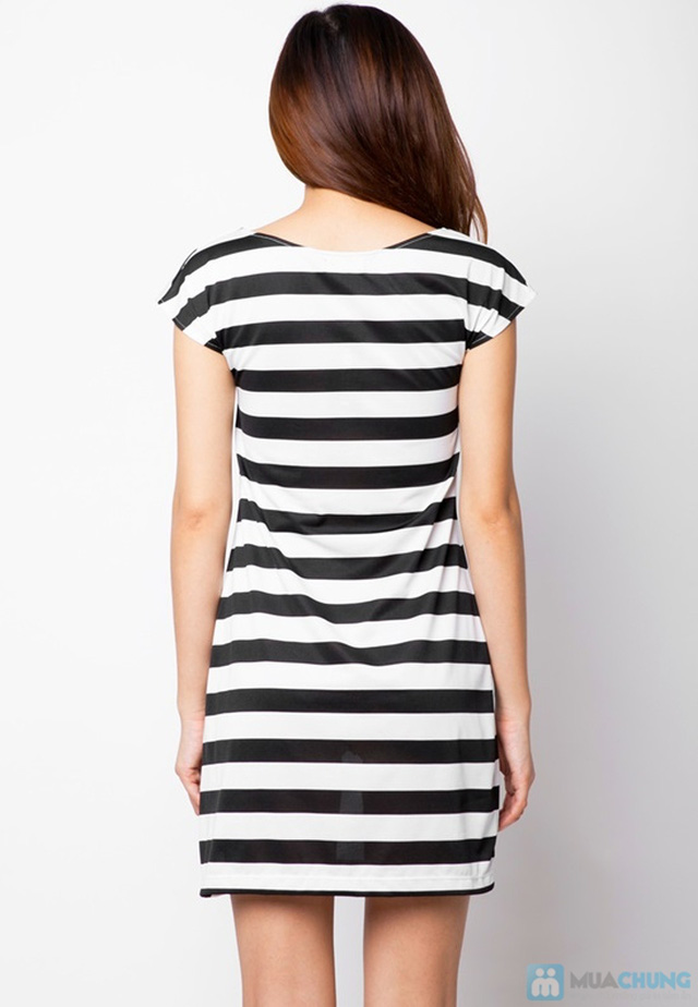 Đầm suông sọc ngang trắng đen cá tính - 11