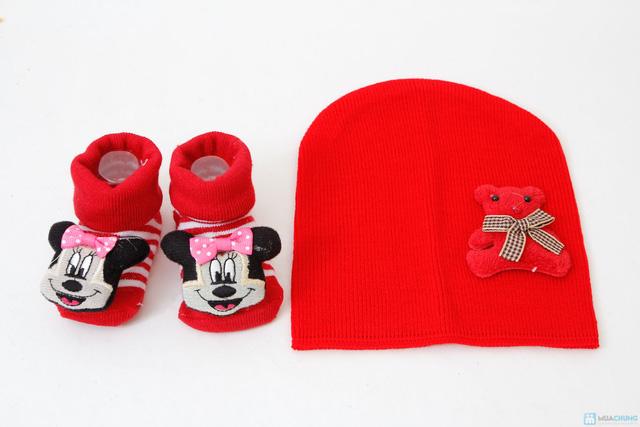 Combo tất 3D + mũ len - 4