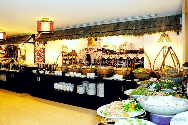 Buffet Gánh dành cho buổi trưa với hơn 40 món ăn đặc sắc 3 miền - Khách sạn Bông Sen - 3
