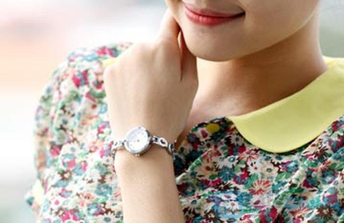 Đồng hồ lắc tay dành cho nữ - Món quà ý nghĩa, sang trọng - 4
