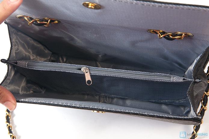 Túi xách da rắn khóa vàng - 5