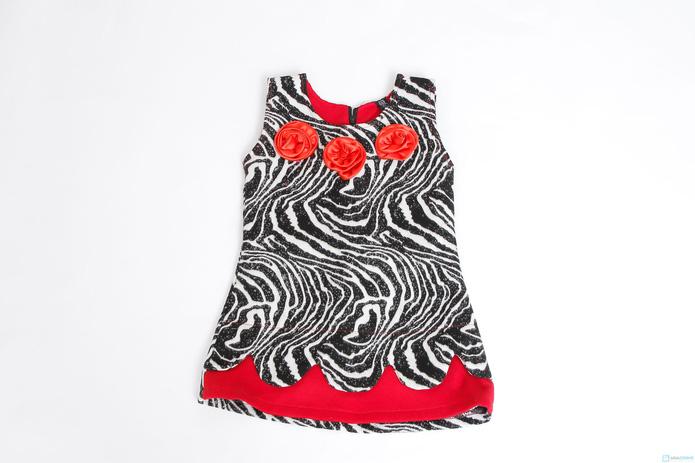 Váy dạ vằn đen trắng phối màu đỏ Kitty kids - 1