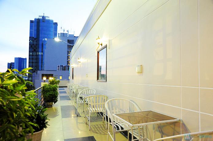Buffet nướng tối thứ 6, 7, Chủ nhật tại Nhà hàng Hương Sen - Chỉ 10.000đ được phiếu 55.000đ - 2