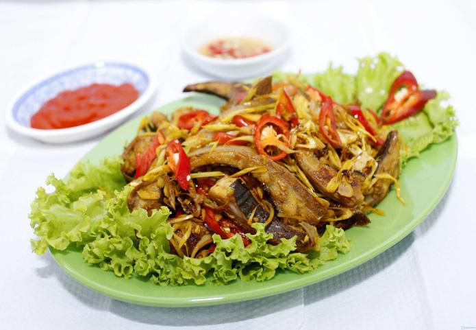Lẩu cá đuối om chuối đậu lạ miệng - 2