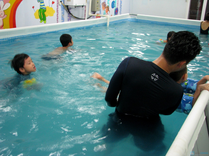 Cuối tuần bổ ích với khóa học bơi bể bơi nước nóng - 2
