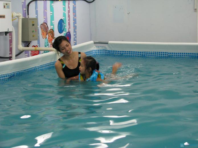 Cuối tuần bổ ích với khóa học bơi bể bơi nước nóng - 5