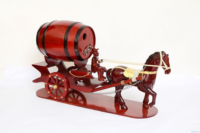 Đ�n Tết với Ngựa k�o th�ng đựng rượu vang - 2