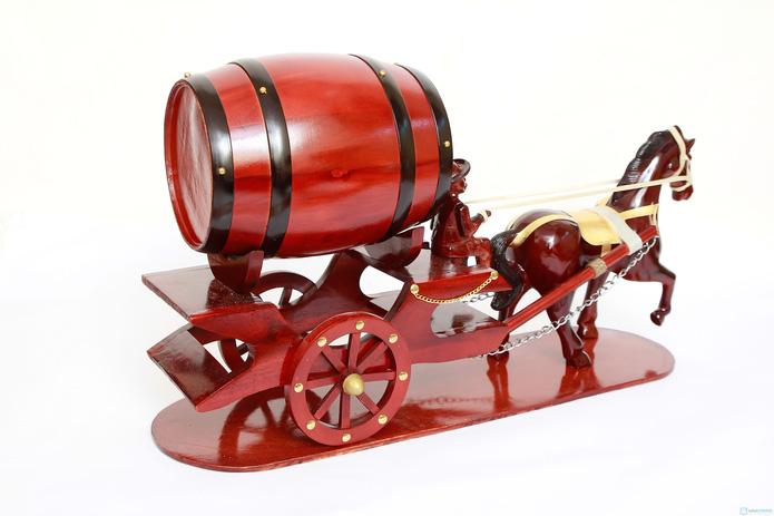 Đ�n Tết với Ngựa k�o th�ng đựng rượu vang - 7