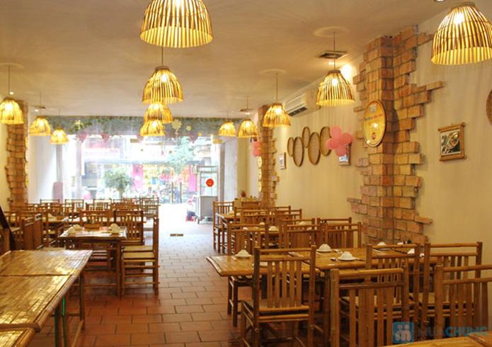 Set ăn: 01 món lẩu + 01 món phụ tự chọn dành cho 2 -3 người tại nhà hàng Bún Và Lẩu V  - 3