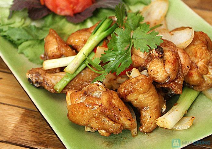 Set ăn: 01 món lẩu + 01 món phụ tự chọn dành cho 2 -3 người tại nhà hàng Bún Và Lẩu V  - 8