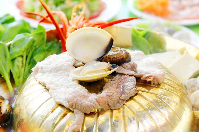 Thỏa thích ăn buffet lẩu nướng 2 trong 1 tại nhà hàng lẩu nướng Hồng Kông - 9