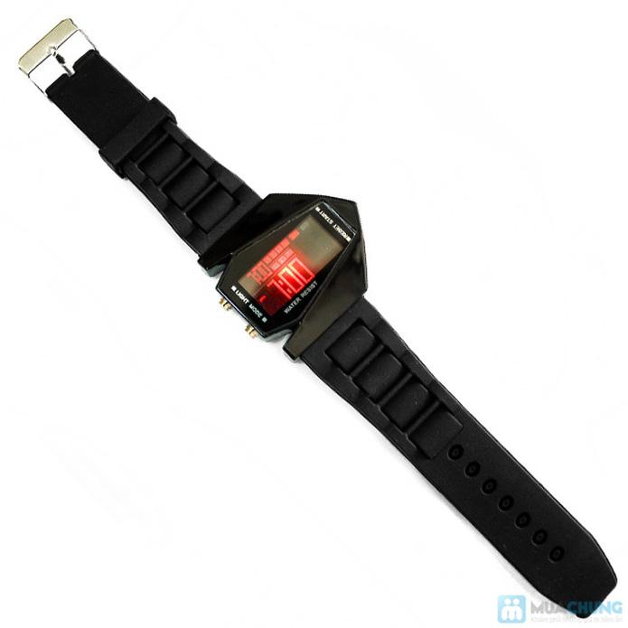 Đồng hồ nam có đèn led kiểu dáng phi thuyền - 9