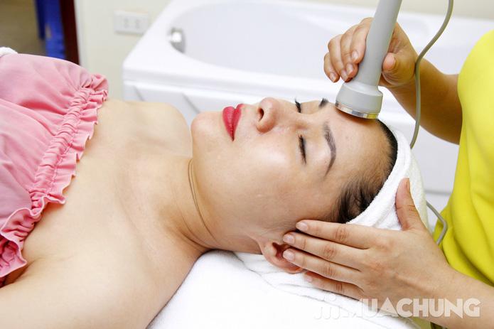 Chăm sóc da mặt bằng mặt nạ dát vàng tại Thẩm mỹ Khánh Phương - 11