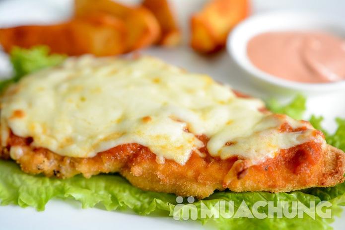 Pizza Hawaii + gà đúc lò / mì Ý gà sốt Pesto + sinh tố + mocktail dành cho 2 người tại Feliz Cafe - 8