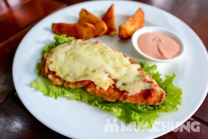 Pizza Hawaii + gà đúc lò / mì Ý gà sốt Pesto + sinh tố + mocktail dành cho 2 người tại Feliz Cafe - 7