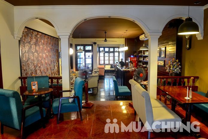 Pizza Hawaii + gà đúc lò / mì Ý gà sốt Pesto + sinh tố + mocktail dành cho 2 người tại Feliz Cafe - 17