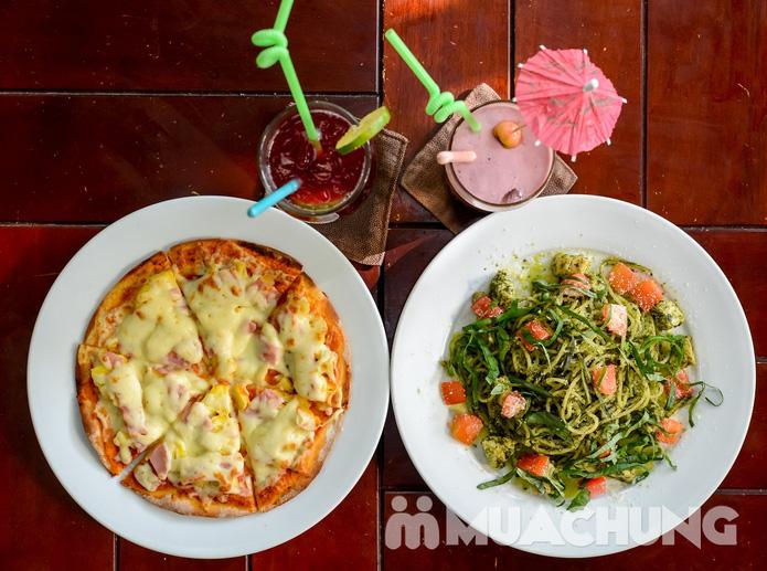 Pizza Hawaii + gà đúc lò / mì Ý gà sốt Pesto + sinh tố + mocktail dành cho 2 người tại Feliz Cafe - 2