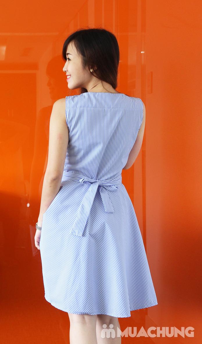 Đầm xòe sọc kèm dây thắt lưng - 6