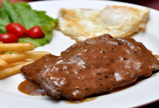 Thưởng thức Thăn Bò Úc, Ba chỉ bò Mỹ sốt tiêu đen, Pate gan gà...tại Steak Way Restaurant. Chỉ với 192.000đ/02 người