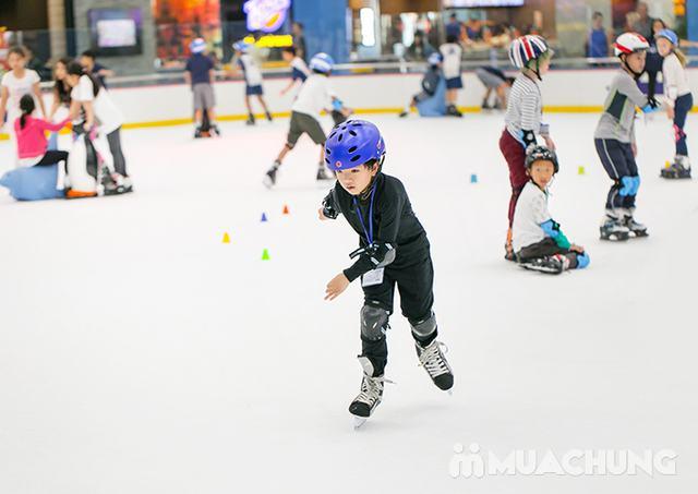 Vé trượt băng người lớn tại sân trượt Vincom - 21