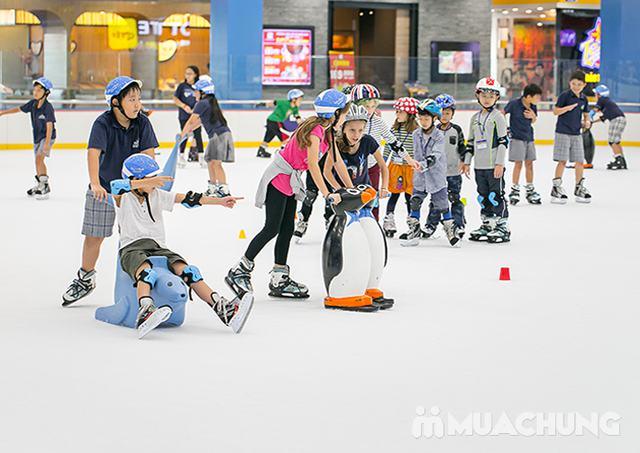 Vé trượt băng người lớn tại sân trượt Vincom - 15