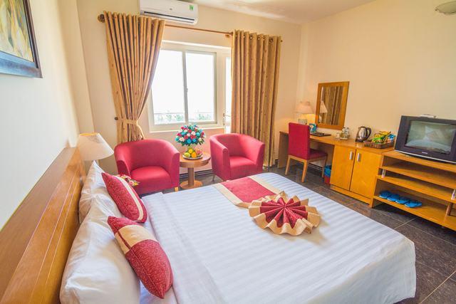 Spring Hotel Vũng Tàu 3* - Gần biển + hồ bơi + ăn sáng cho 2 khách  - 2