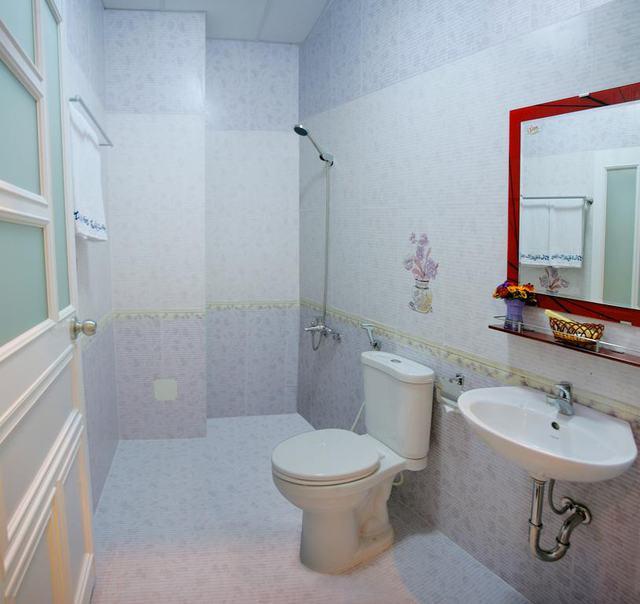 CR Hotel Nha Trang 2* 3N2D - Trung tâm khu phố Tây - 4