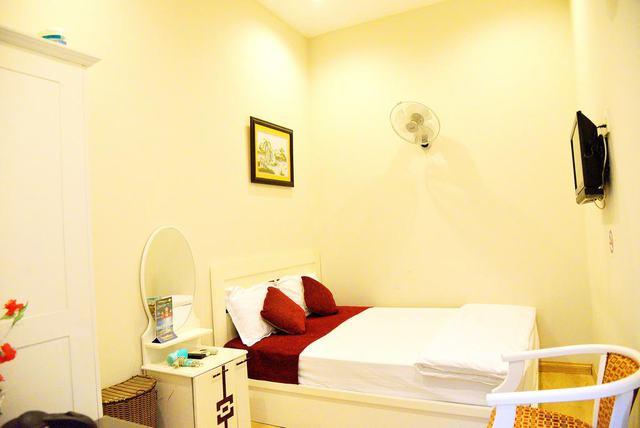 CR Hotel Nha Trang 2* 3N2D - Trung tâm khu phố Tây - 3
