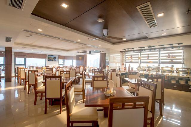White Sand Boutique Hotel 3,5 * Đà Nẵng -  3 phút đi bộ tới biển Mỹ Khê + có hồ bơi rộng - 15