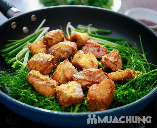 Lẩu riêu cua bắp bò, chả cá lăng Hong Kong cho 4N - 10