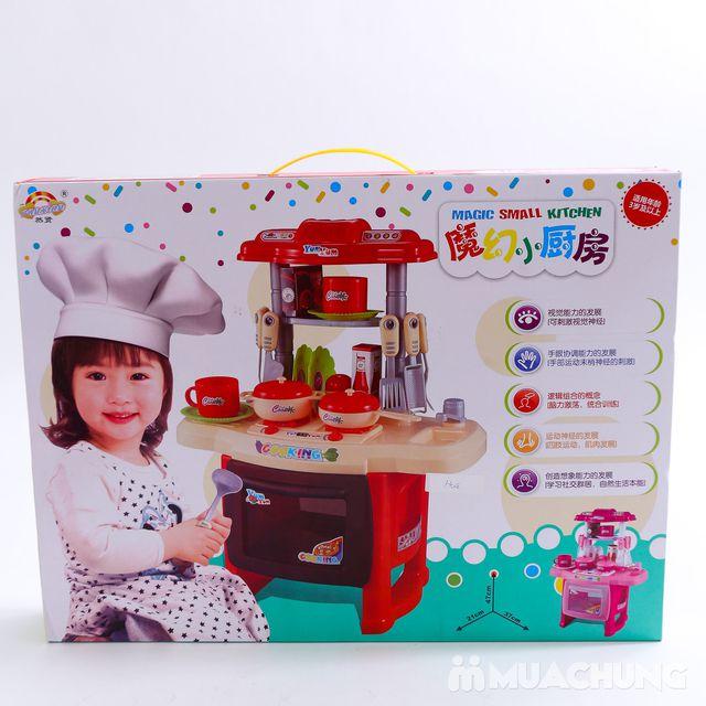 Bé tập nấu ăn với bộ đồ chơi nấu bếp - 3